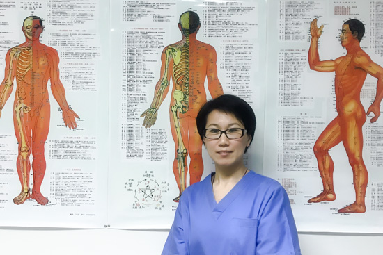 Lin Li operates the Acupuntura China clinic in central Madrid. Offering traditional Chinese acupuncture treatments.